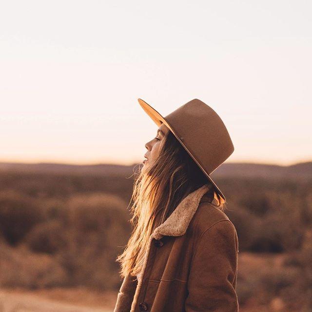 ✨ Sunsets in the desert with new @WillandBear - Andy Oak #willandbear #hatsfortheroad 🎞️ @nerii_xx