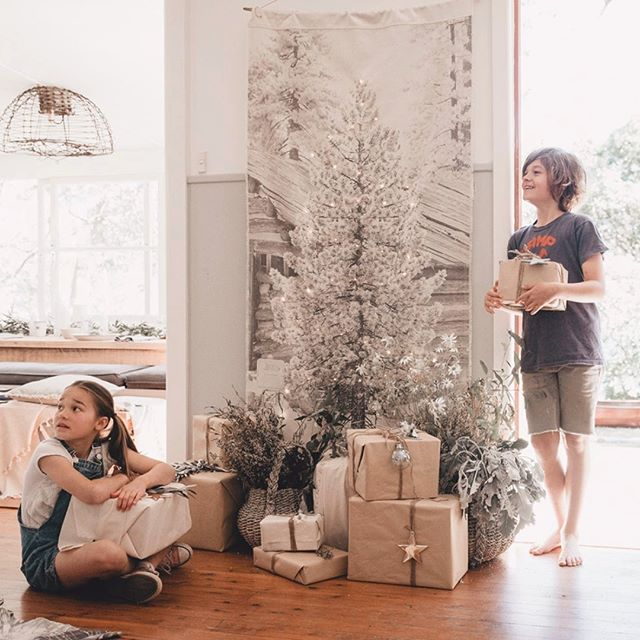 We know that Christmas is still a few months away yet, but this beauty just arrived in store from @Pony_Rider  Yes, it's the multi-purpose, set up your Christmas tree anywhere you go within 2 minutes! 🎄  We absolutely love this tall delight. Comes packed in its own little canvas bag so you can keep bringing it out every festive season for years to come. Also has a loop feature for you to hang it easily. 🎁  This product does not come with a hanging pole. We recommend you get creative out in your garden space and find a suitable stick, ALTERNATIVELY run down to your local hardware and ask them to cut you a 1-metre wide pole and that should cover it.