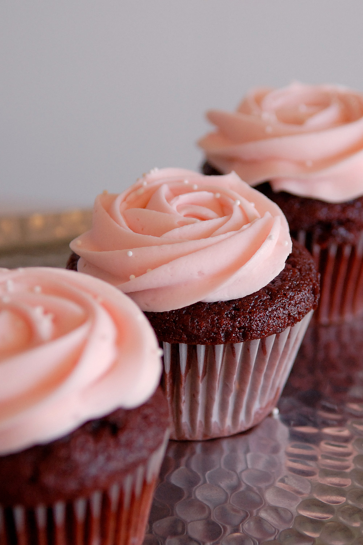 Custom_decorated_cupcakes_004.jpg
