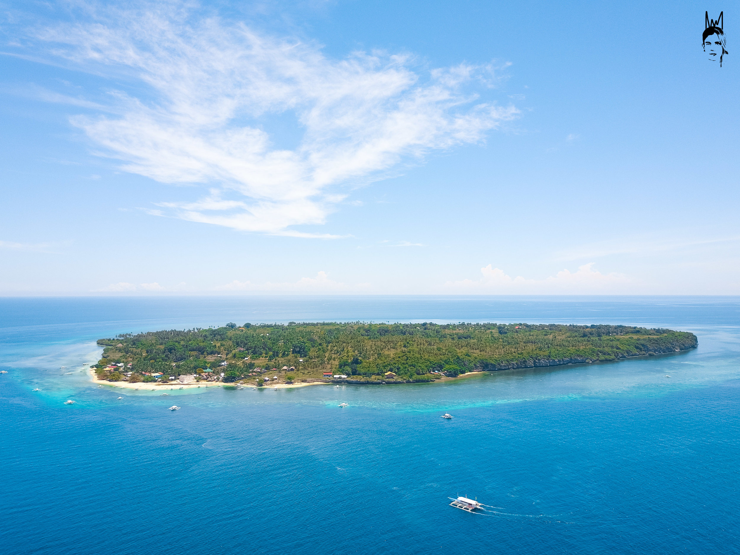 Pamilacan Island, the lunch stop off with a beautiful coral garden for snorkelling