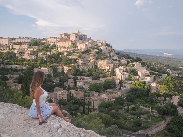 Oh my Gordes! 😂 So excited for our next post because it talks about this unreal hilltop village, as well as the rest of a perfect day in Provence . . . . . . .  #travelgram #travelbug #traveltheworld #instatravel #traveladdict #globetrotter #travelblog #instapassport #backpacking #wanderlust #wanderer #travelblogger #travelgirl #traveldeeper #travelstoke #travelawesome #doyoutravel #passionpassport #exploringtheglobe #willjourney #glt #charmedtraveler