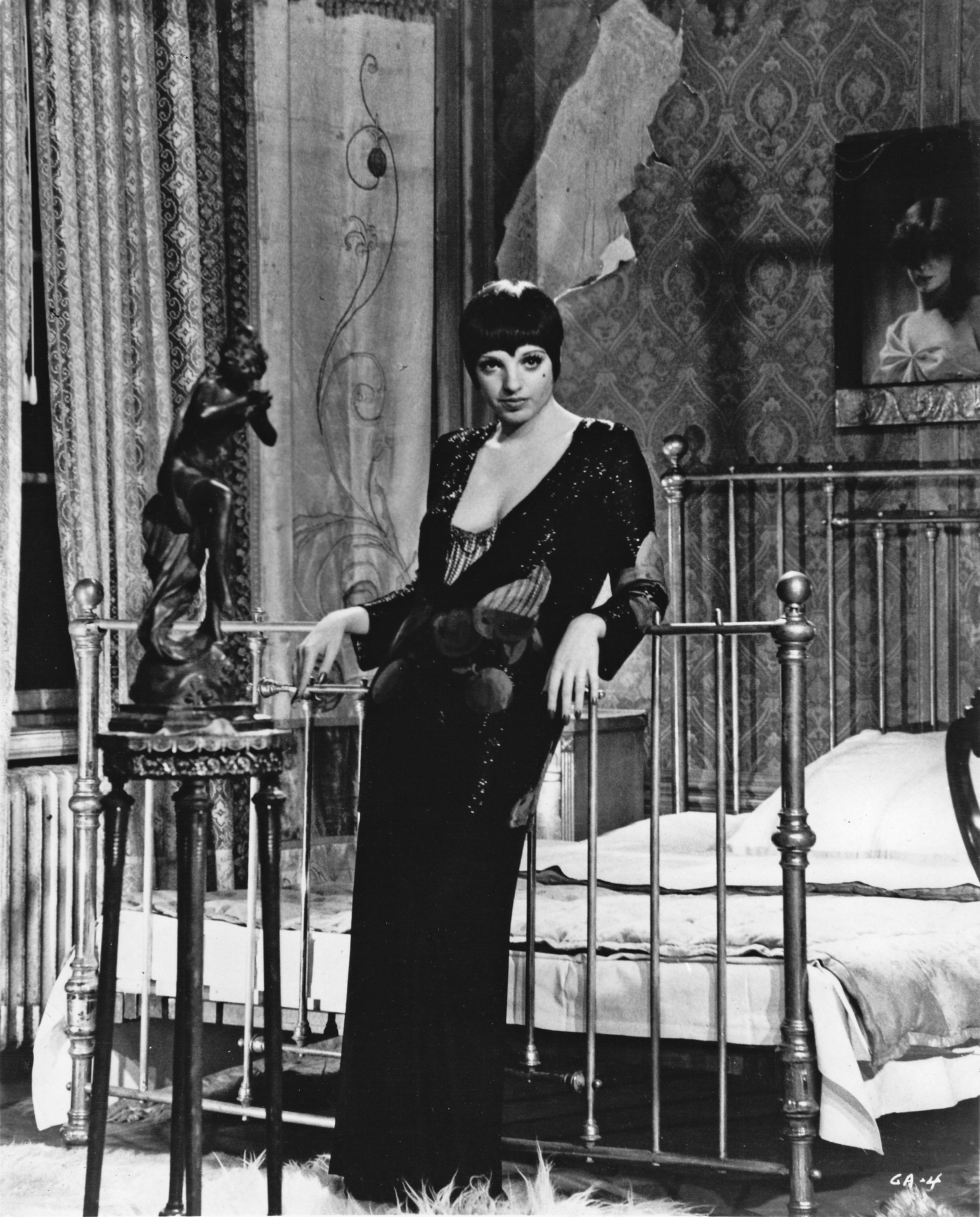 Liza Minelli in  Cabaret  (1972).