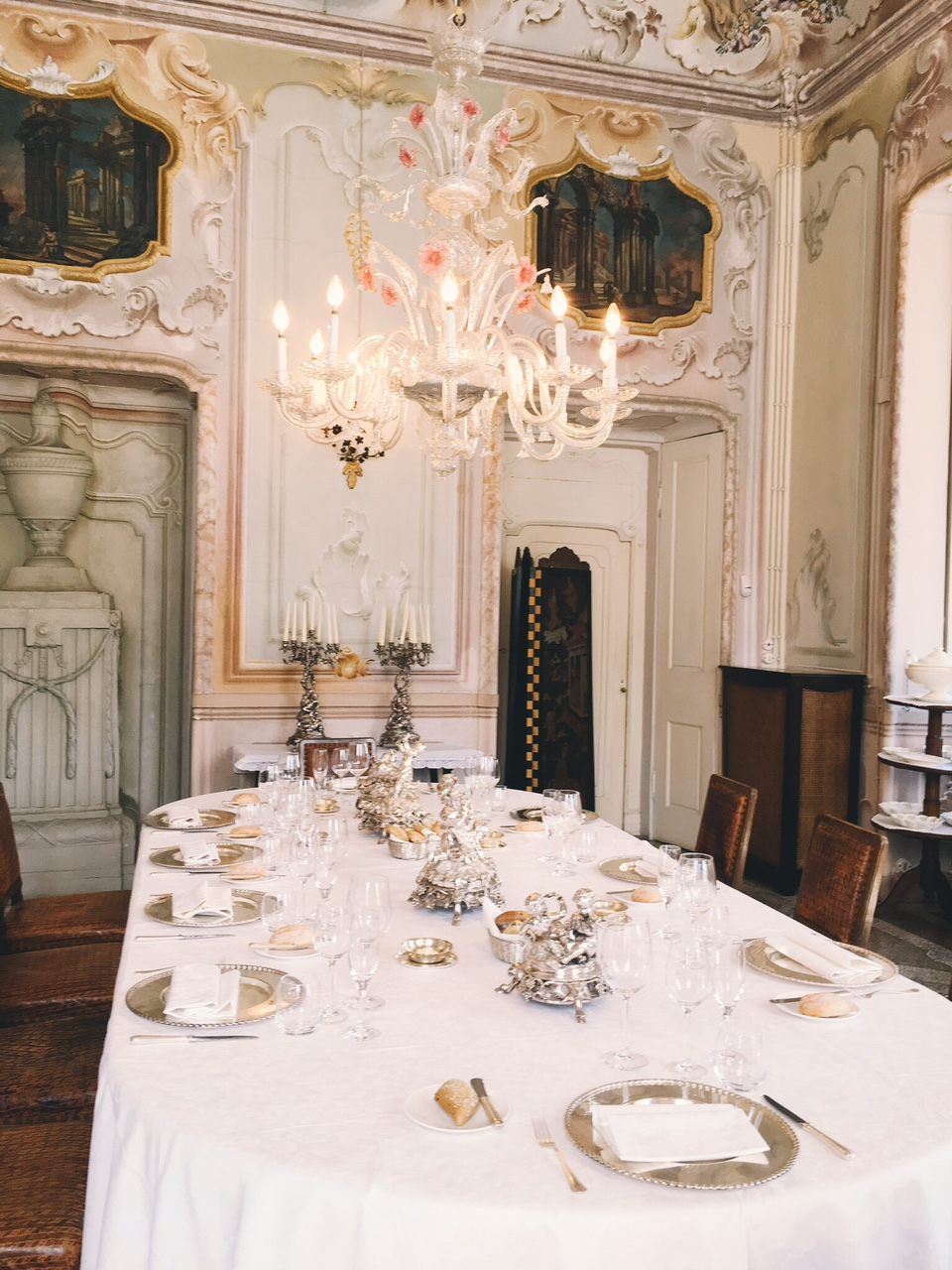 Luxurious dining table in dining room at Villa Sola Cabiati