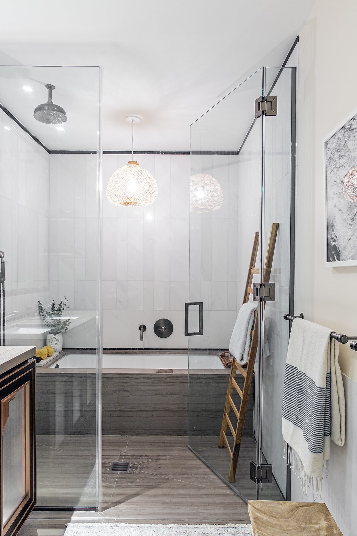 Decor Aid // Spa-like Master Bathroom in Brooklyn, New York