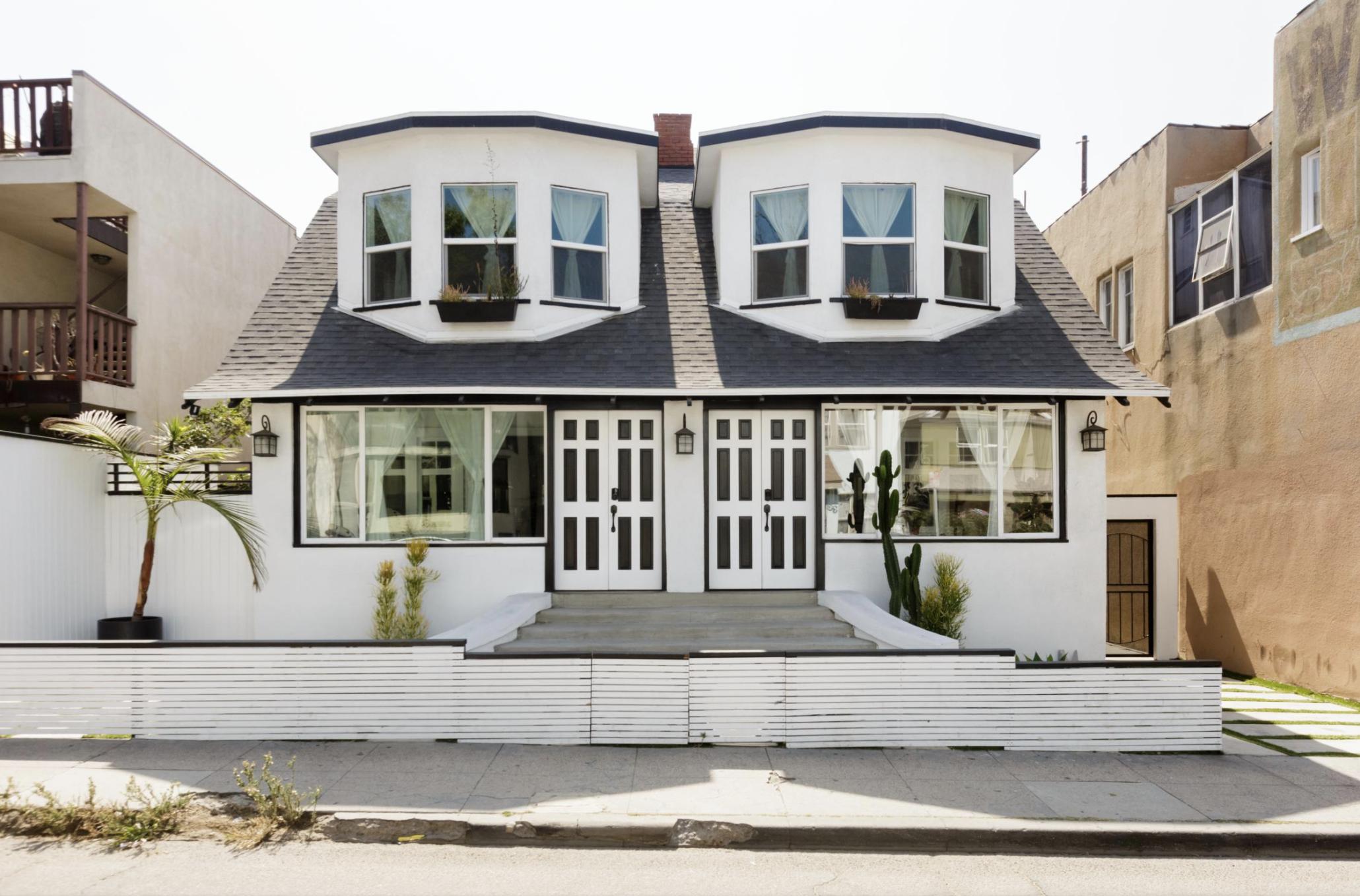 LA Airbnb in Venice, California Exterior