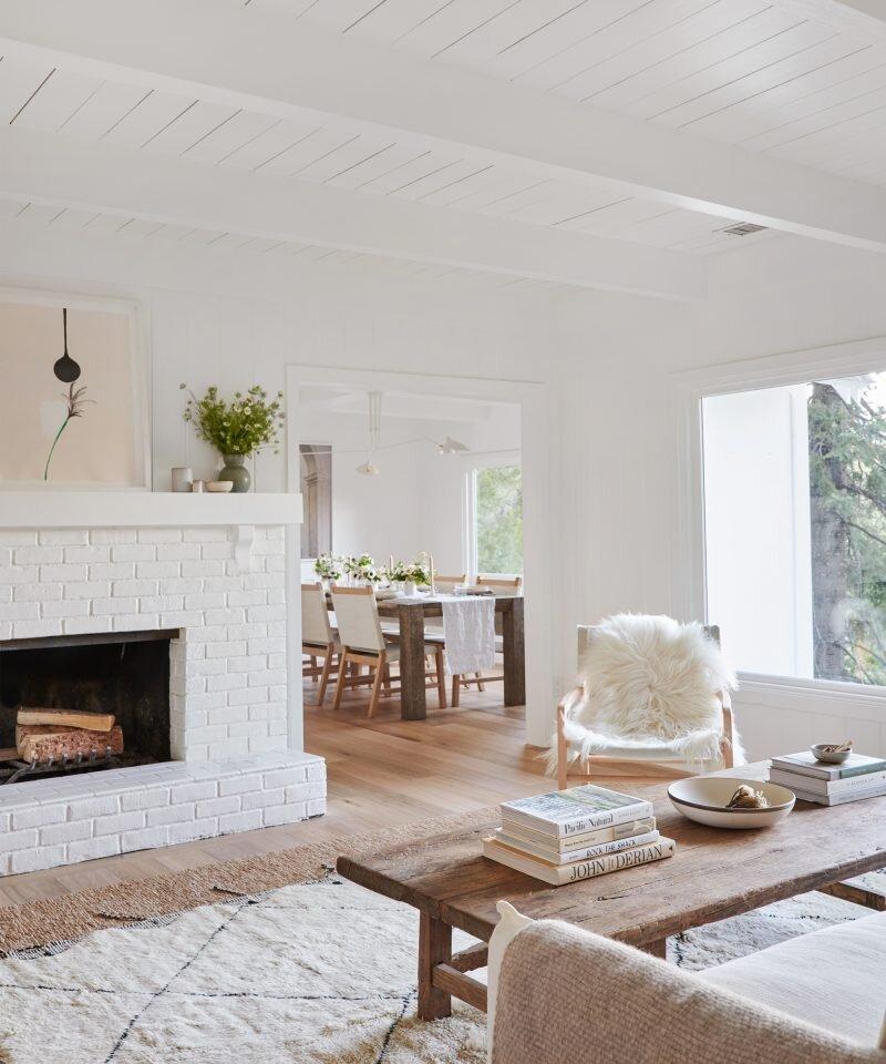 Jenni Kayne Lake House - Living Area & Dining Room