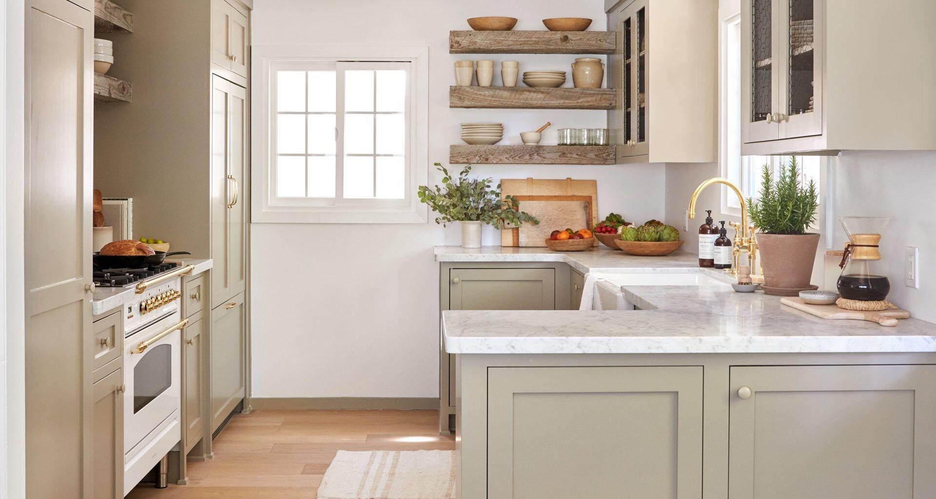 Jenni Kayne Lake House - Kitchen, Stove & Pantry