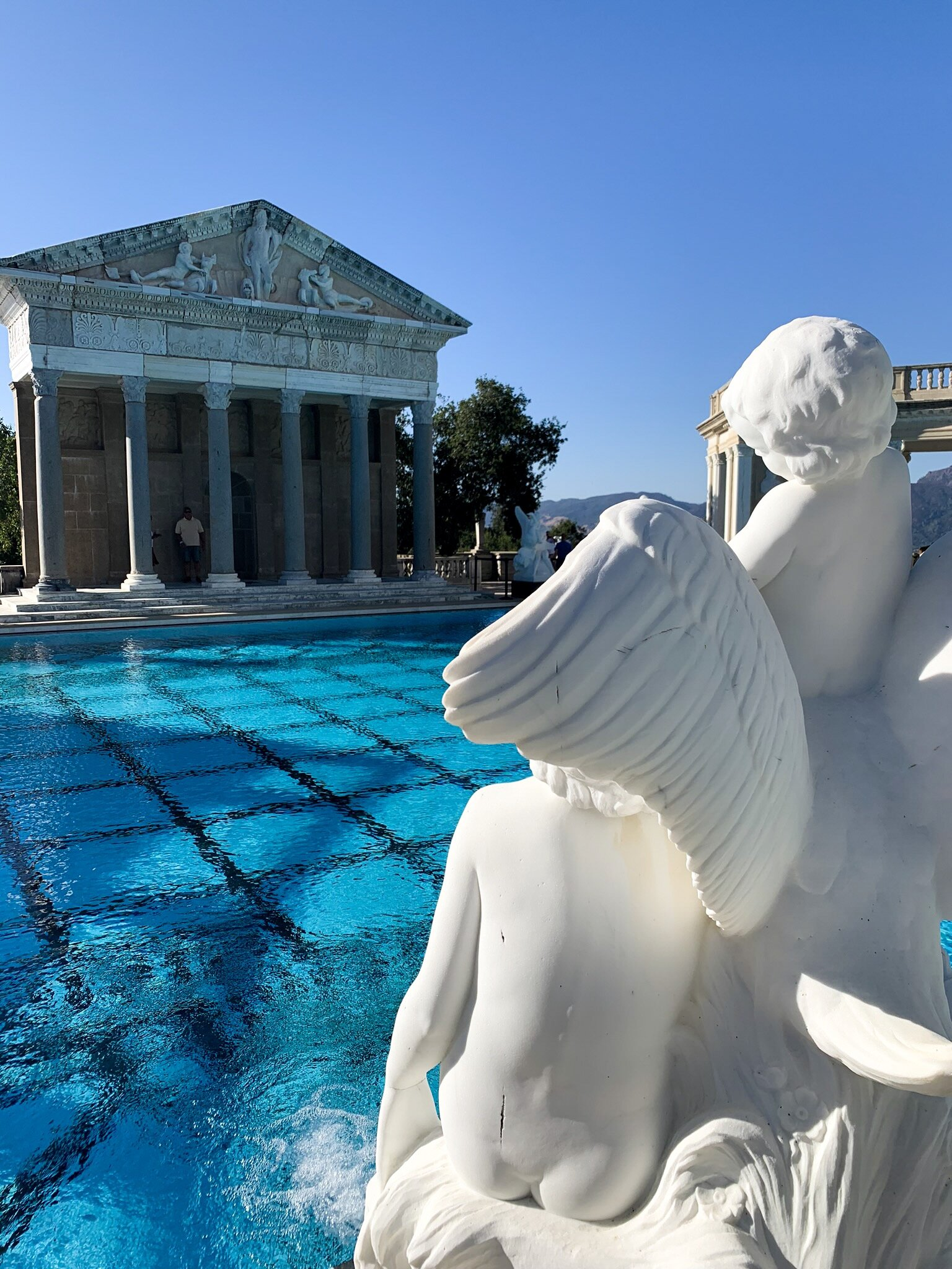 Hearst Castle outdoor pool, Roman columns and statue