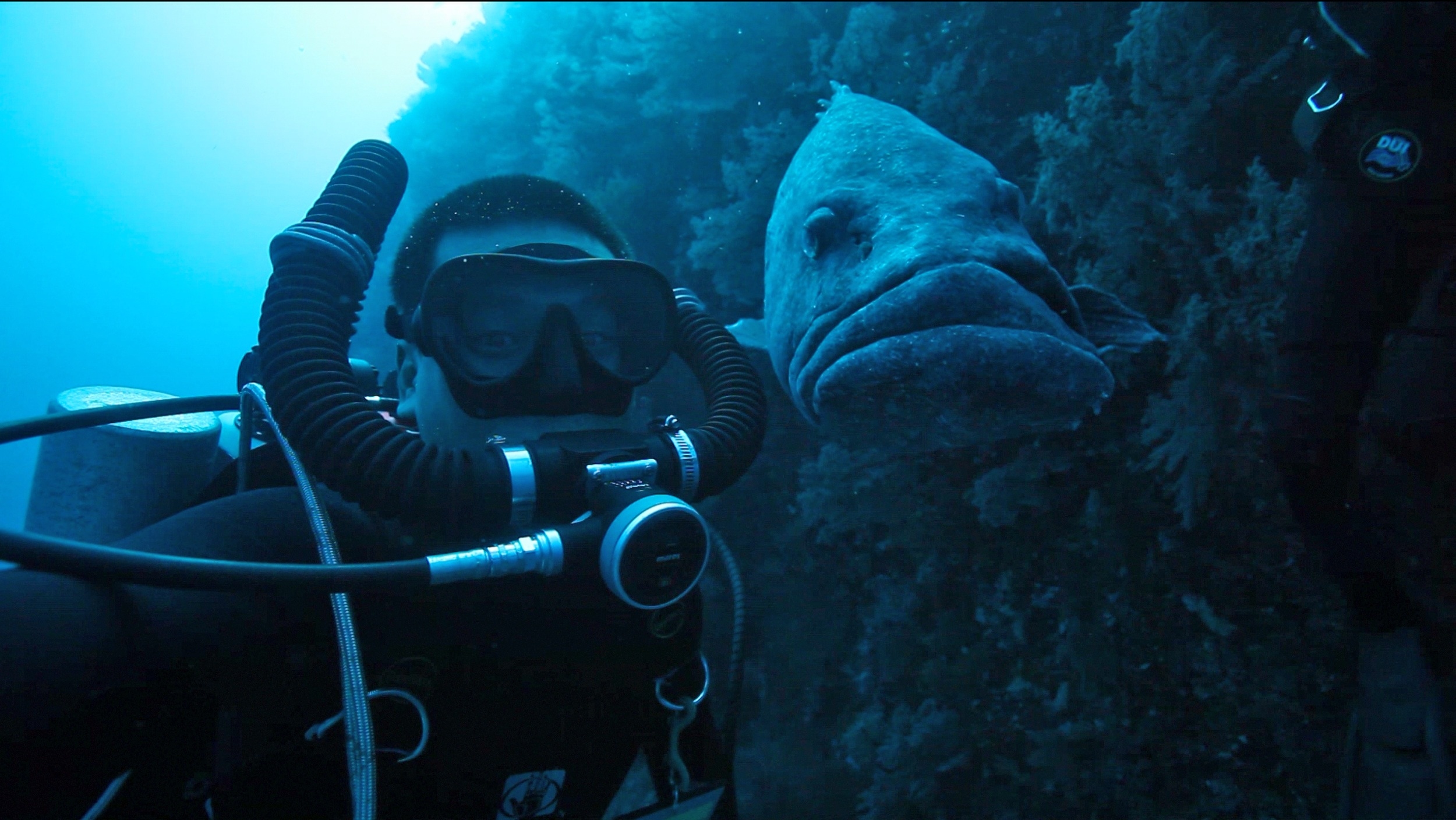 eric with grouper-brighter.JPG