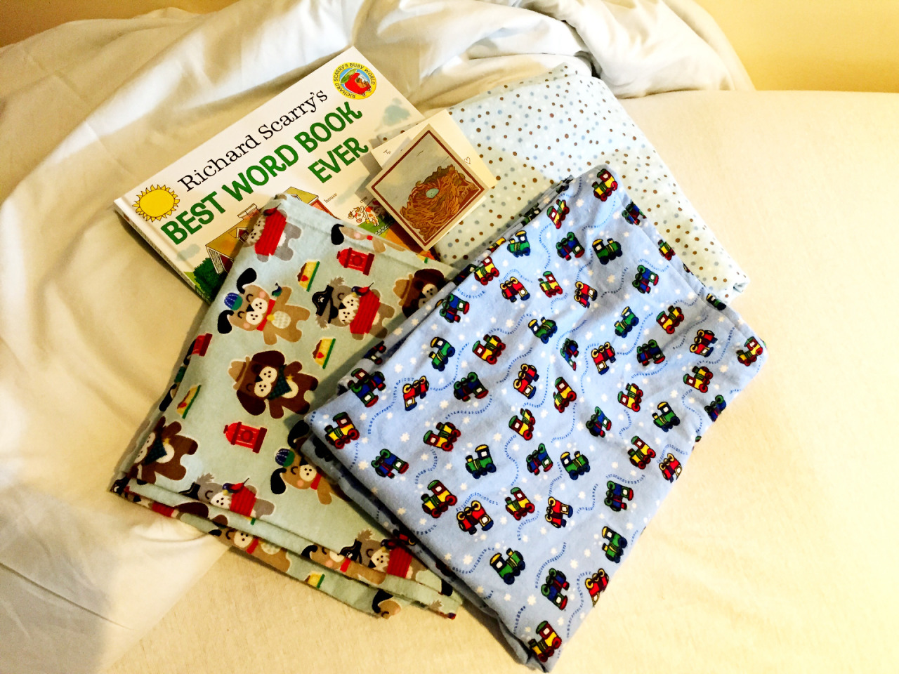 Lesley from the  St. Lawrence String Quartet  brought us some amazing family-tradition, hand-made swaddles and cloths (made by her and Kira), along with Kira's favorite book. Thank you, Lesley! I'm learning that you can never have enough swaddles and cloths.