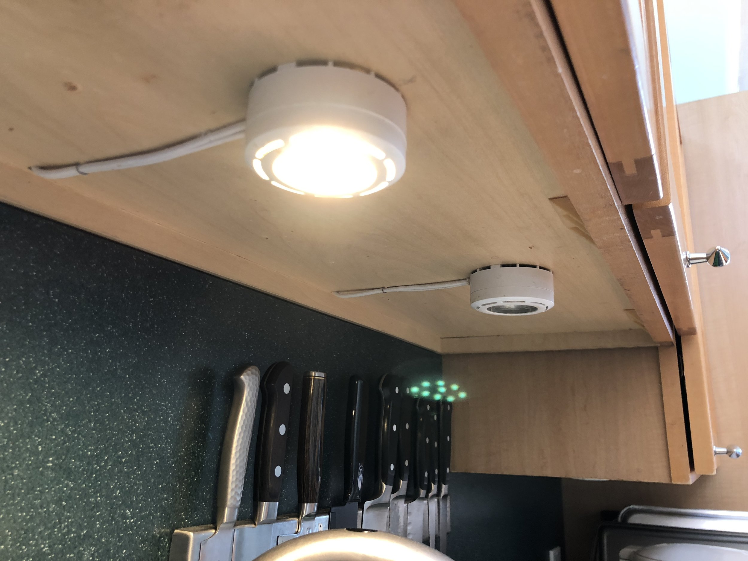 Kakanuo G8 LED bulb, installed and on. Check out that flare pattern!