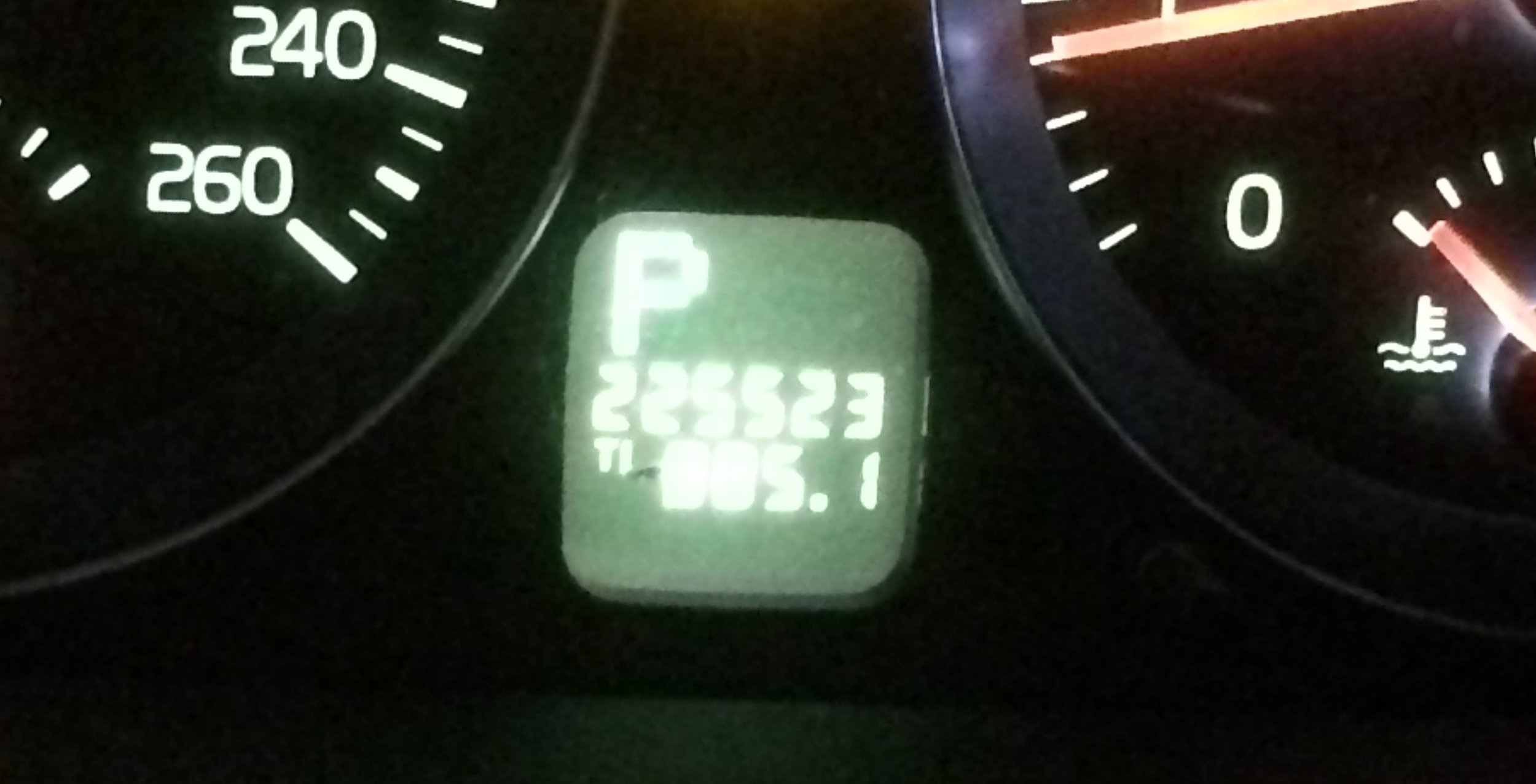 Volvo odometer-1159.JPG