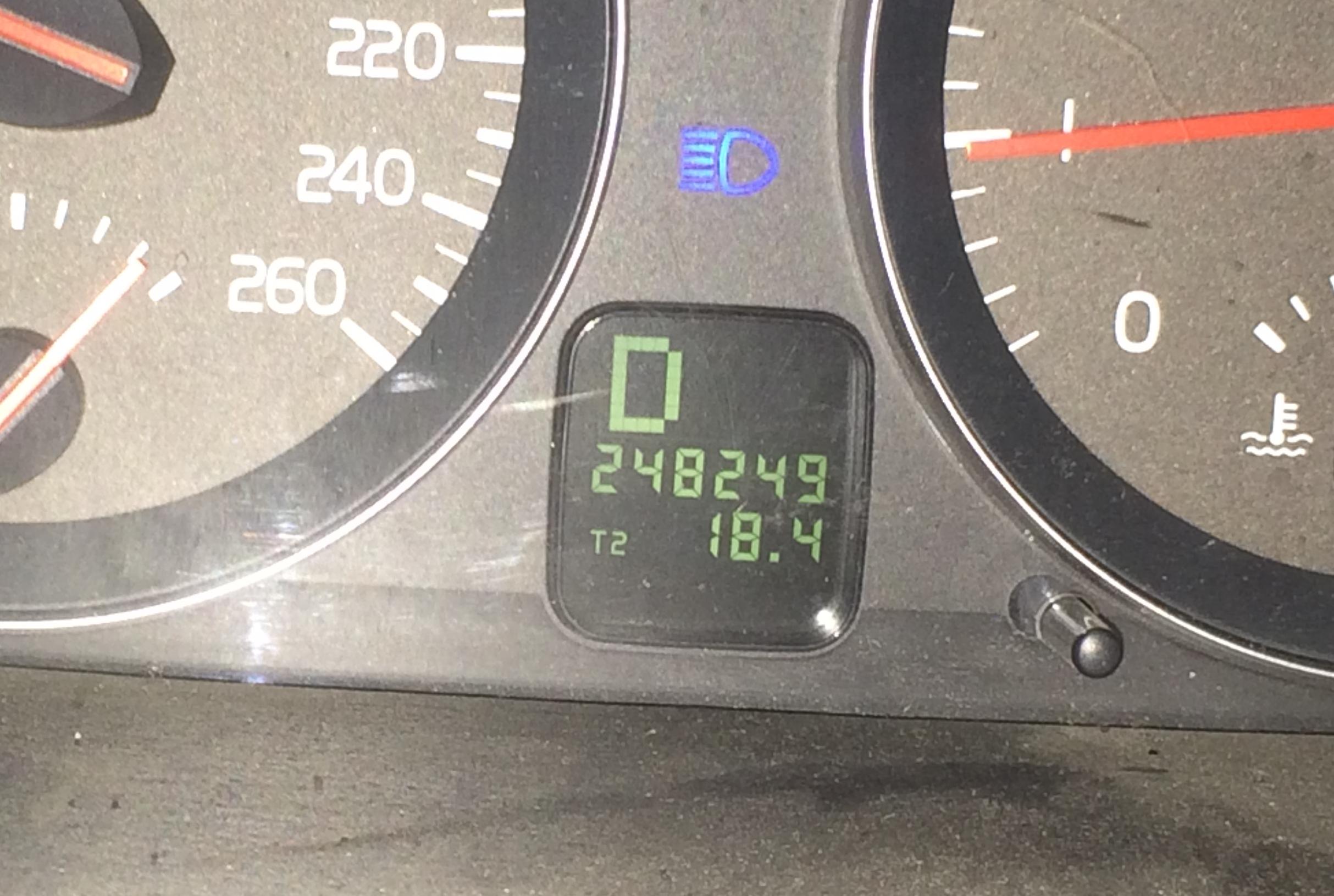 Volvo odometer-1413.JPG