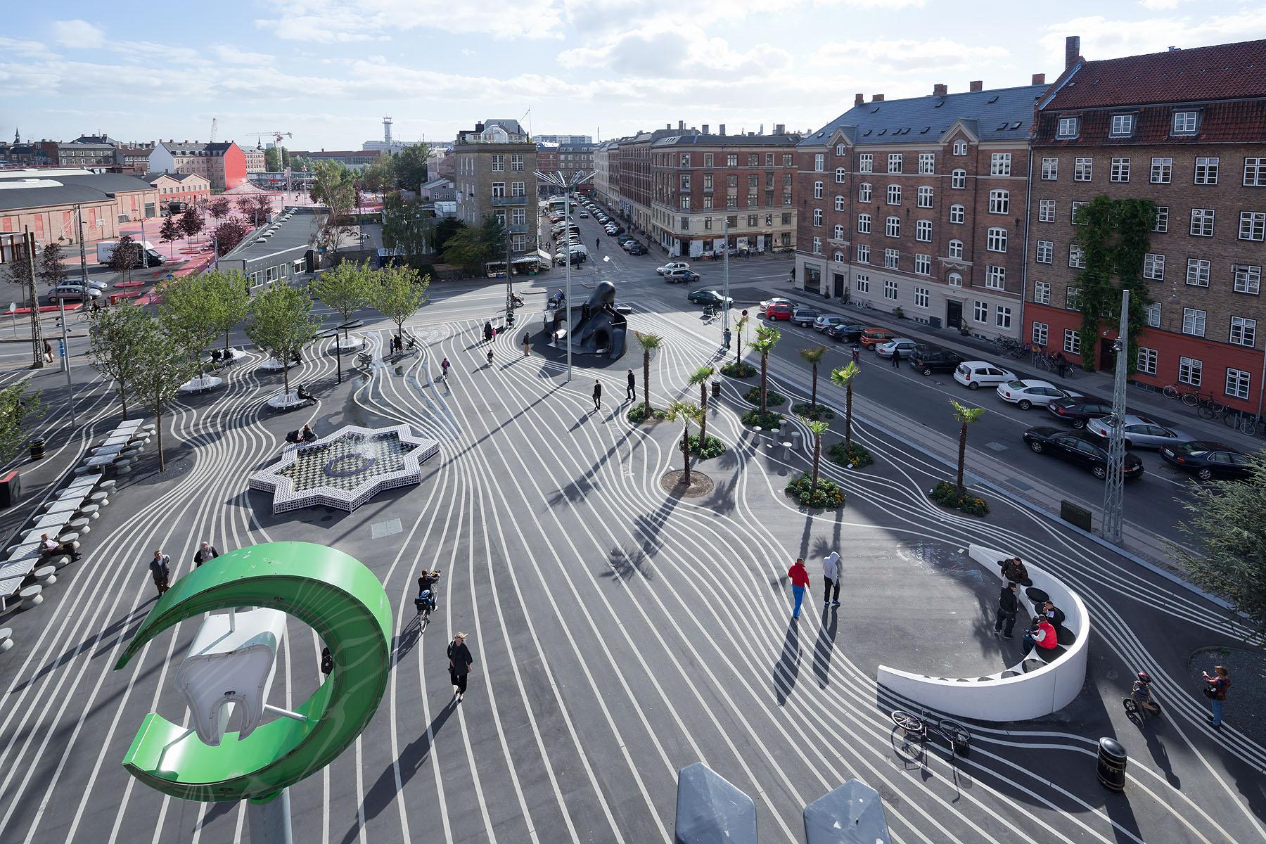 Superkilen, Copenhagen. Photograph by Iwan Baan. Image courtesy of TOPOTEK 1.