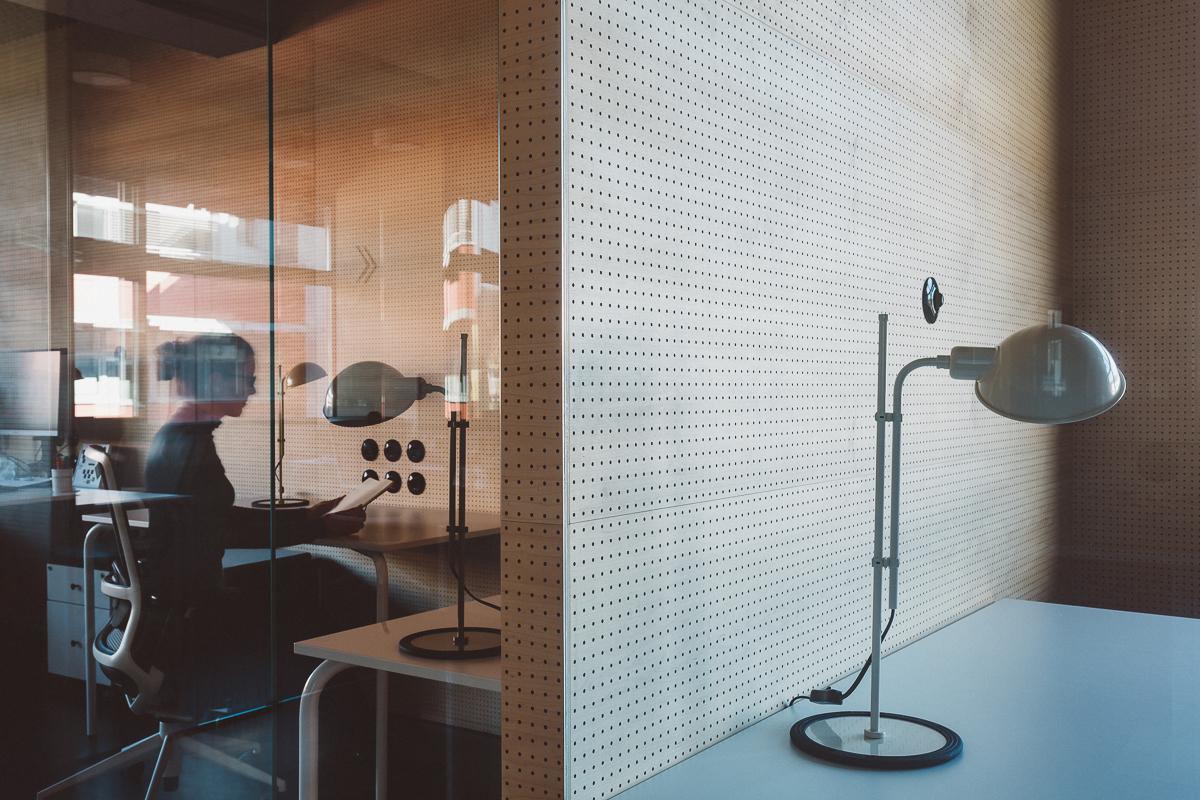 Tanka akustična predelna stena