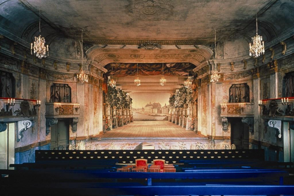 Kopia av scenen med Drhfond.jpg