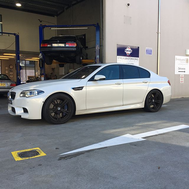 #akrapovic exhaust installed on this beautiful #bmw #f10m5 #v8twinturbo #titaniumexhaust #bimmer #bmwm @stirling.motorworks