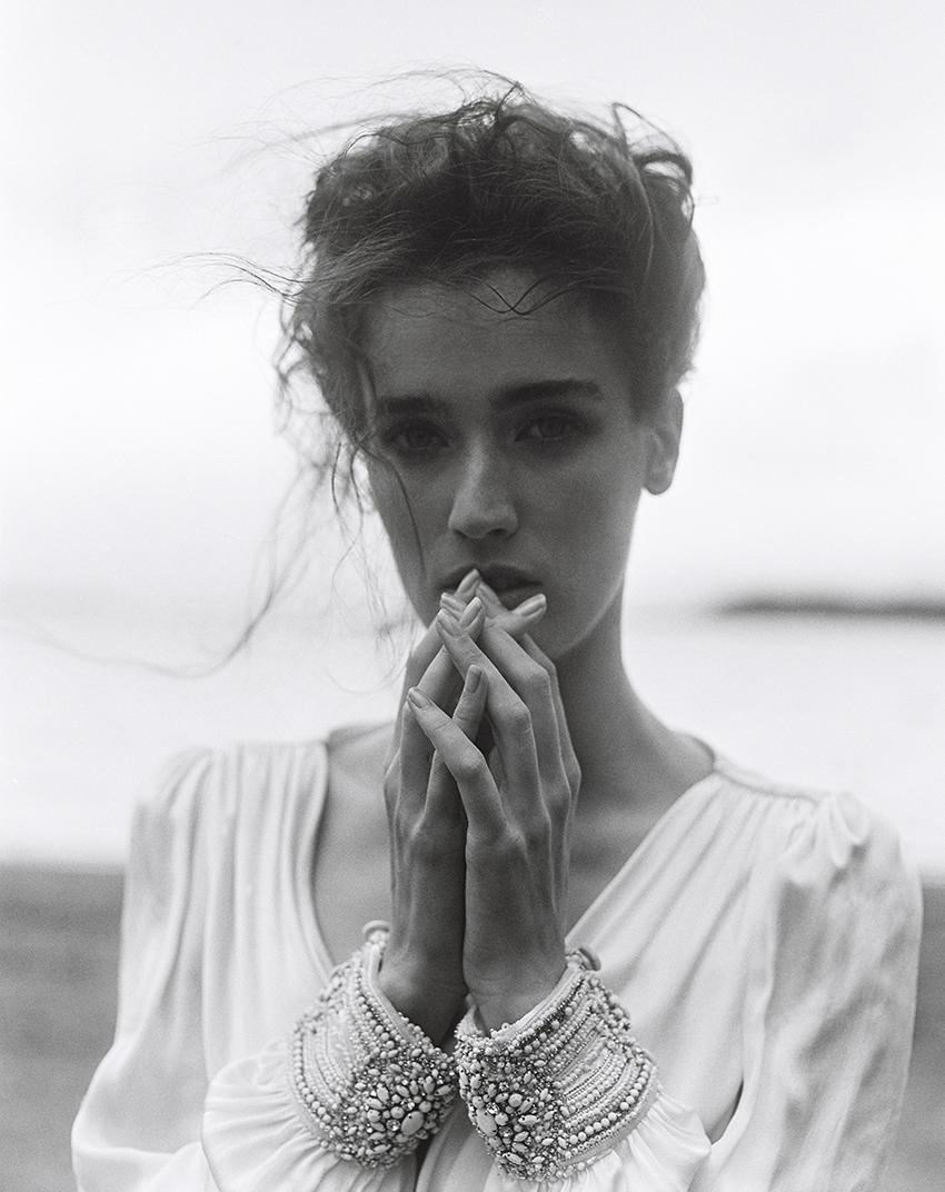 luxury-fashion-editorial-black-and-white-bo-luca