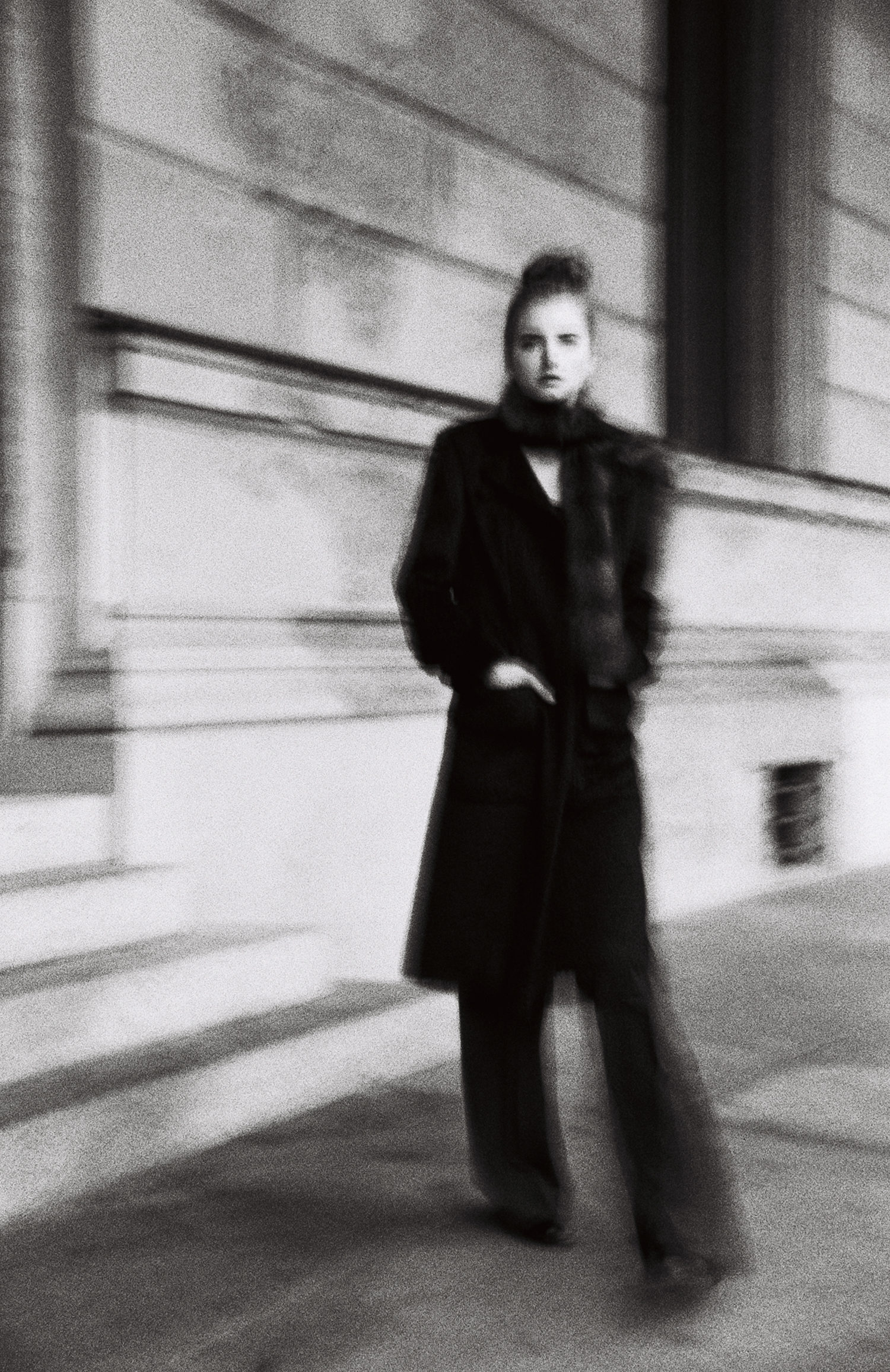 editorial-style-luxury-fashion-campaign-bnw
