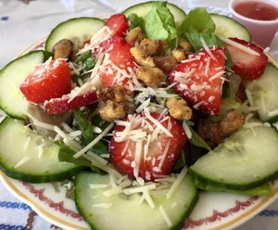 strawberry salad 2.jpg