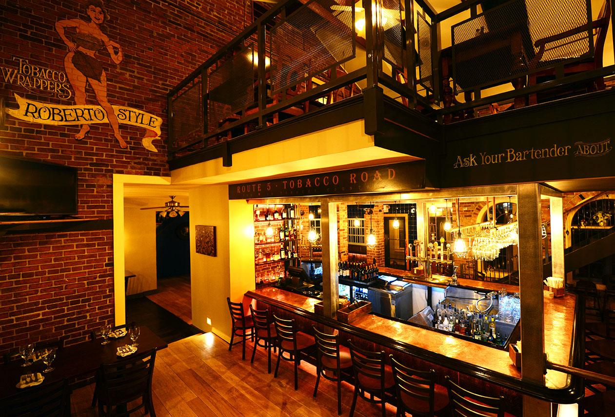 roberto's_real_american_tavern_.jpg