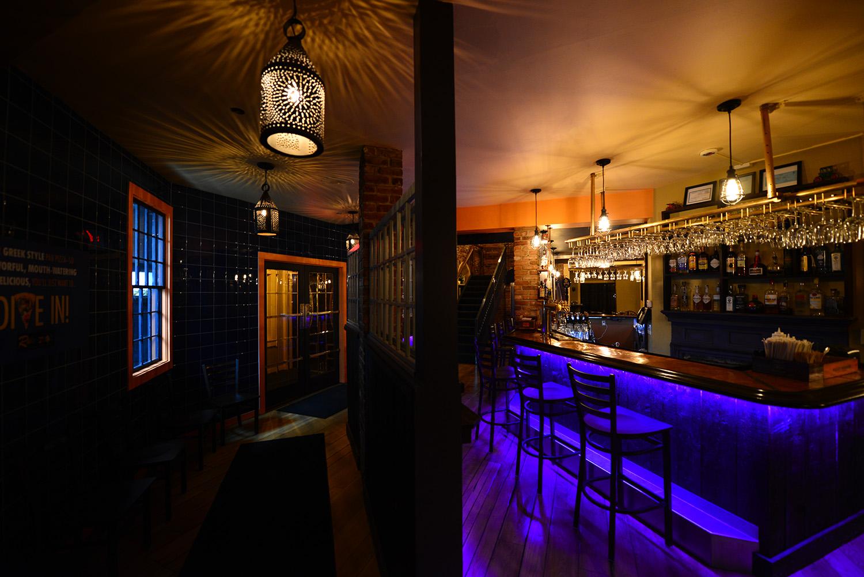 roberto's_real_american_tavern_gallery2.jpg