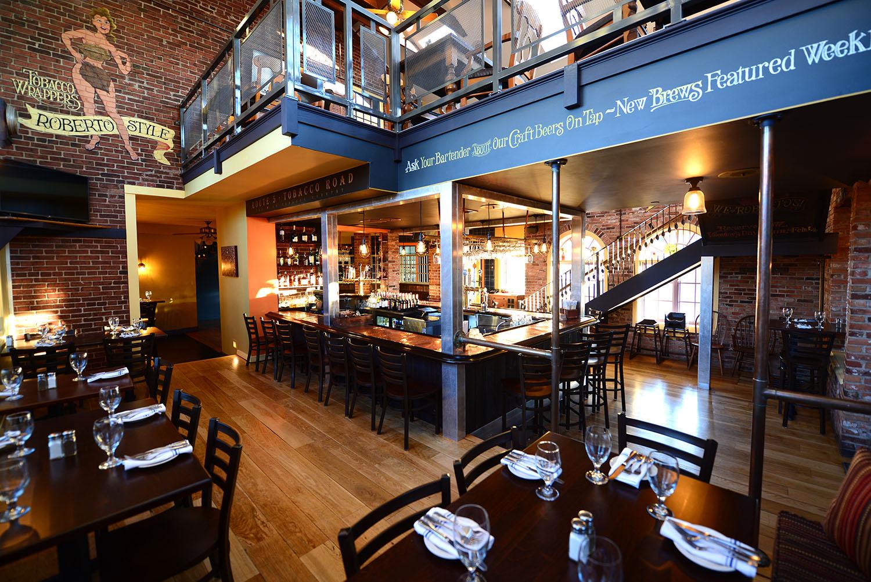 roberto's_real_american_tavern_gallery4.jpg