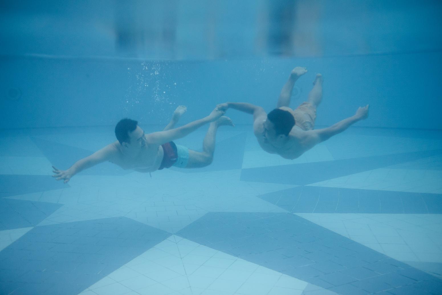 underwater_couple_photoshoot_bali.jpg