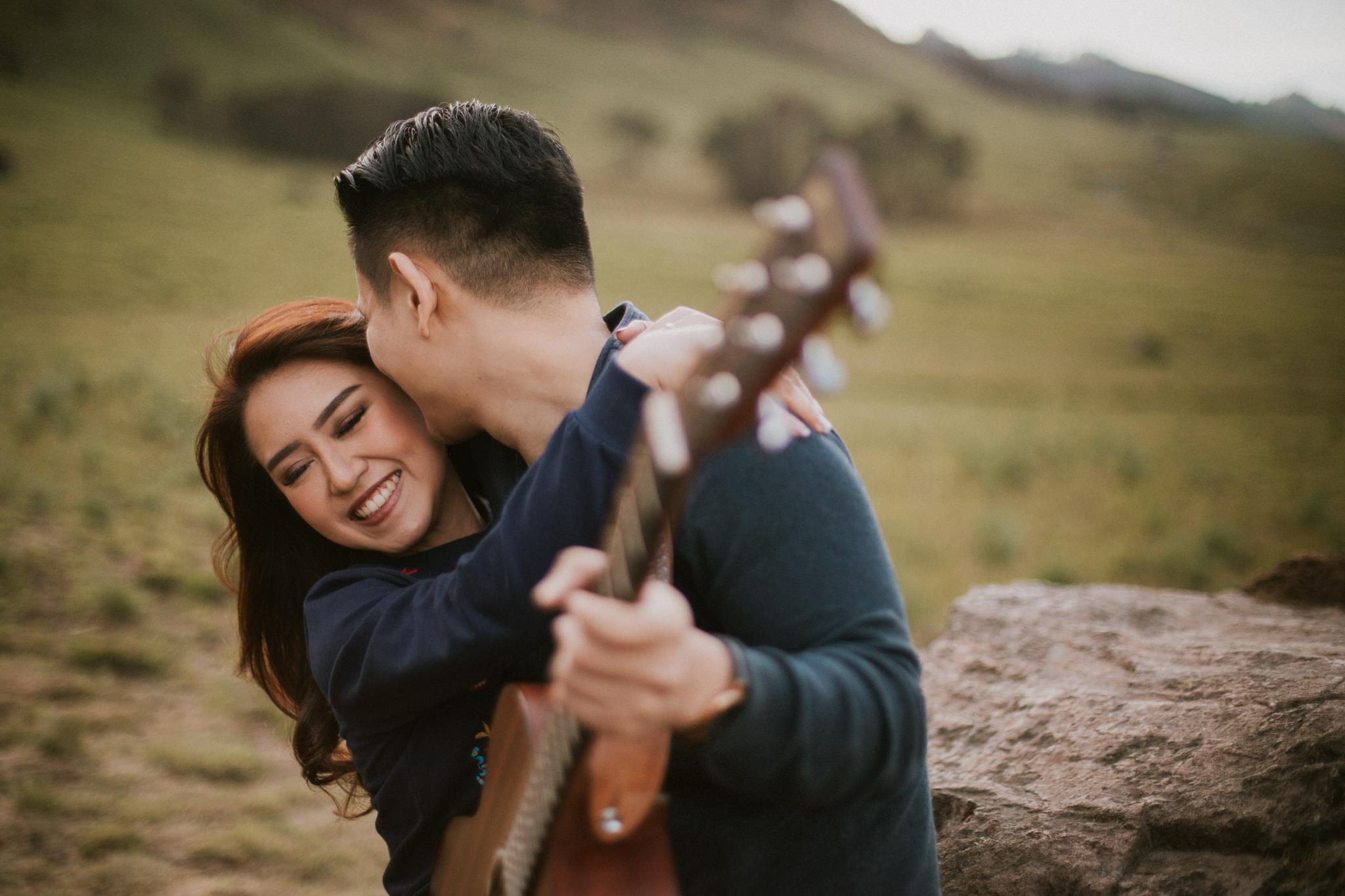 casual_mountbromo_newzealand_destination_elopement_weddingphotographer_christineadel (2).JPG