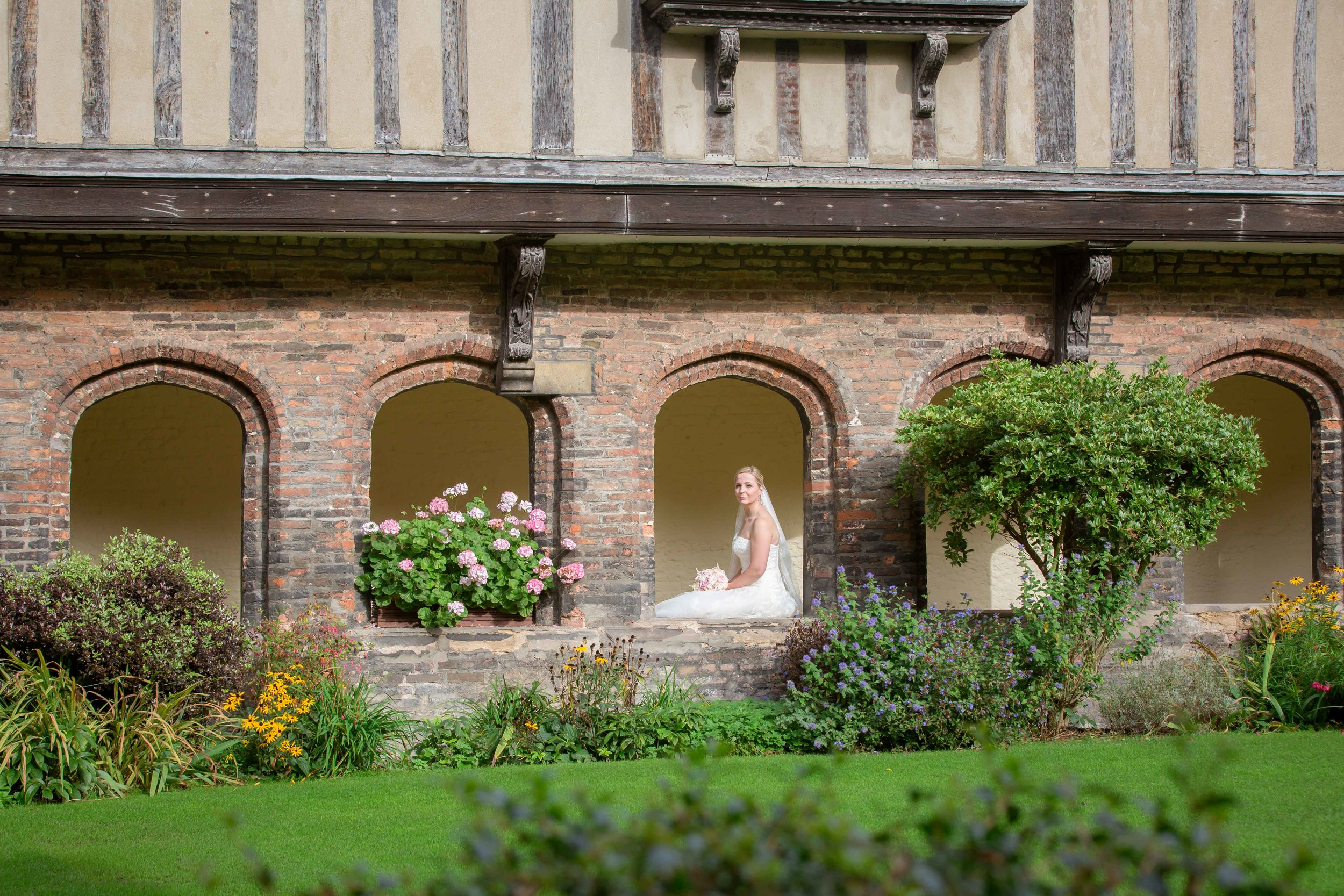 Adrian_Nicole_Charnwood_Weddings_Queens_College_Cambridge-1009.jpg