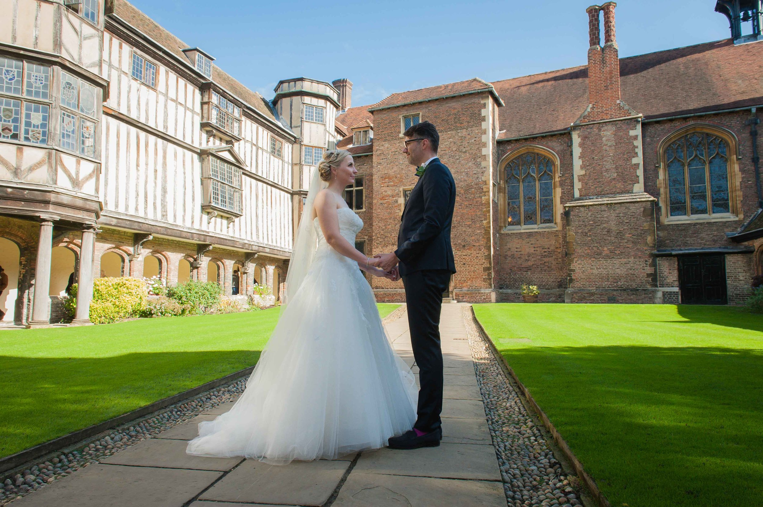 Adrian_Nicole_Charnwood_Weddings_Queens_College_Cambridge-1034.jpg
