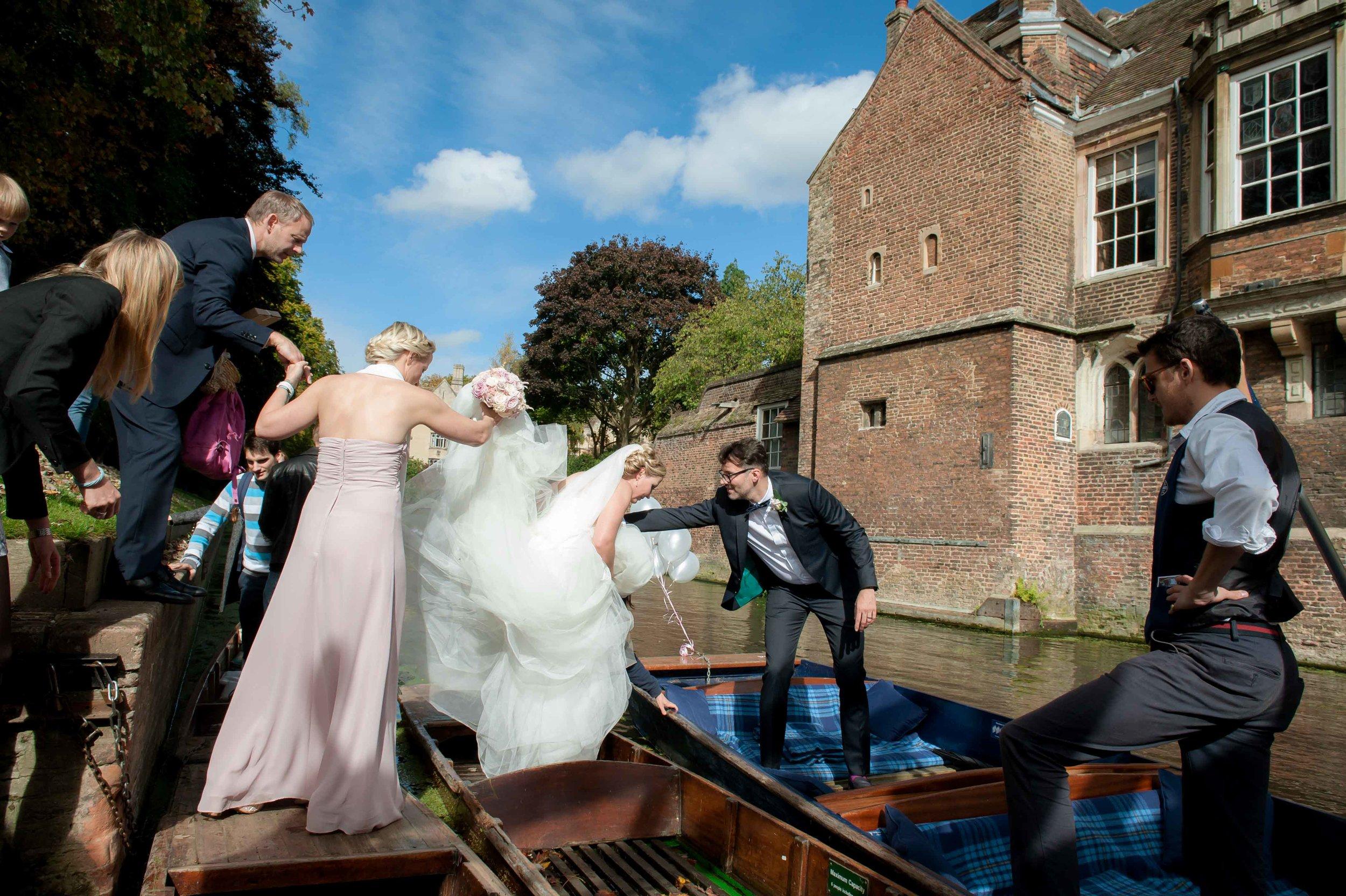 Adrian_Nicole_Charnwood_Weddings_Queens_College_Cambridge-1045.jpg