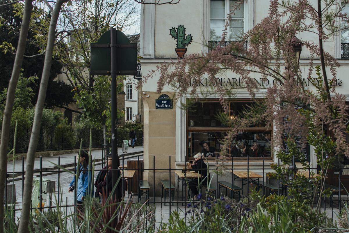 Shakespeare and Company Café