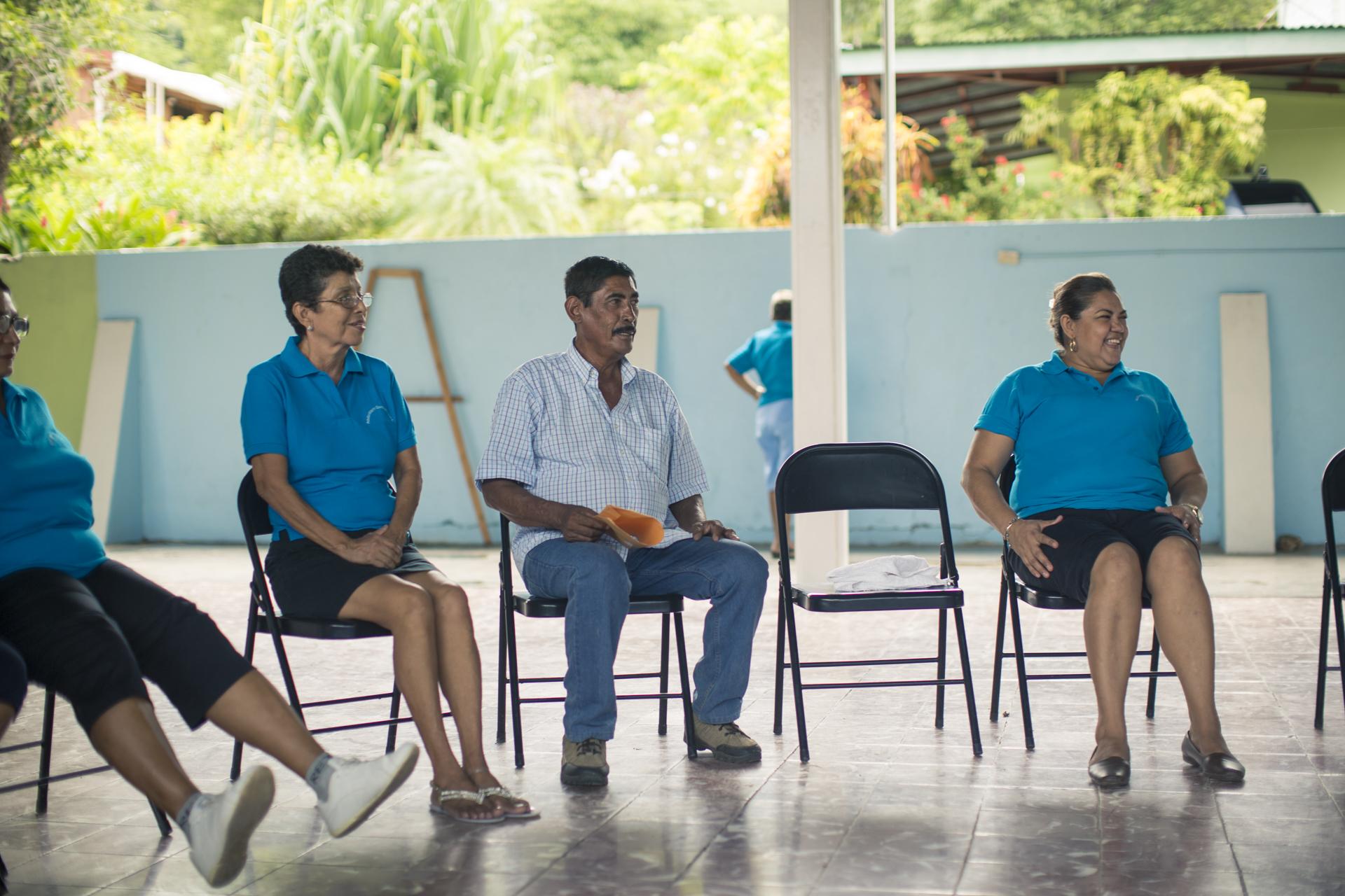 Como presidente de la Asada y grupo de Adultos Mayores de Quebrada Honda, don Donaldo busca siempre el bienestar de su comunidad.