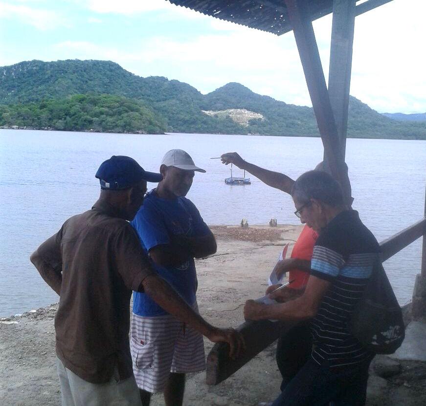 El Equipo de Comunicación de la Red del Golfo conversó con los pescadores de Níspero, para conocer los esfuerzos que realizan en materia de seguridad. (Red del Golfo/Alcides Medina)