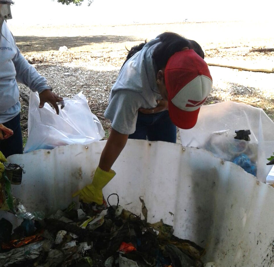 En el pasado se han hecho jornadas de limpieza, con coordinación de la Asociación de Desarrollo y apoyo de otras instituciones. (Imagen cortesía de la ADI de San Buenaventura)