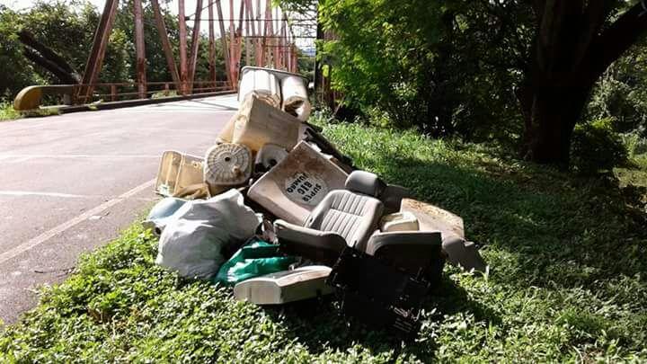 En el 2016, un acumulación de basura se mantuvo varios días en el punto de Morote, tras un conflicto por quién debía recogerla. (Imagen cortesía de Eugenia Pérez)