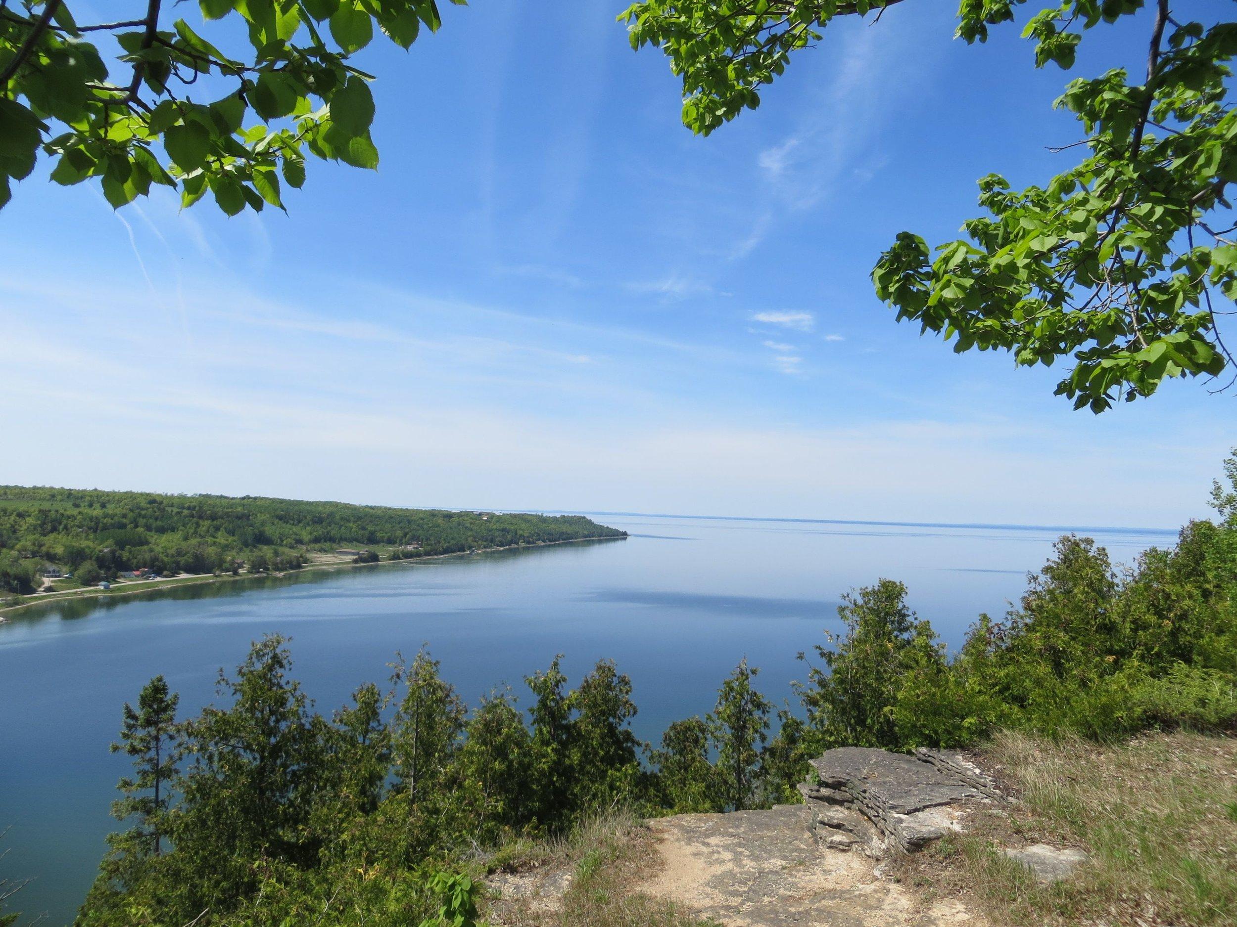 East Bluff Lookout (Photo:  Pinterest )