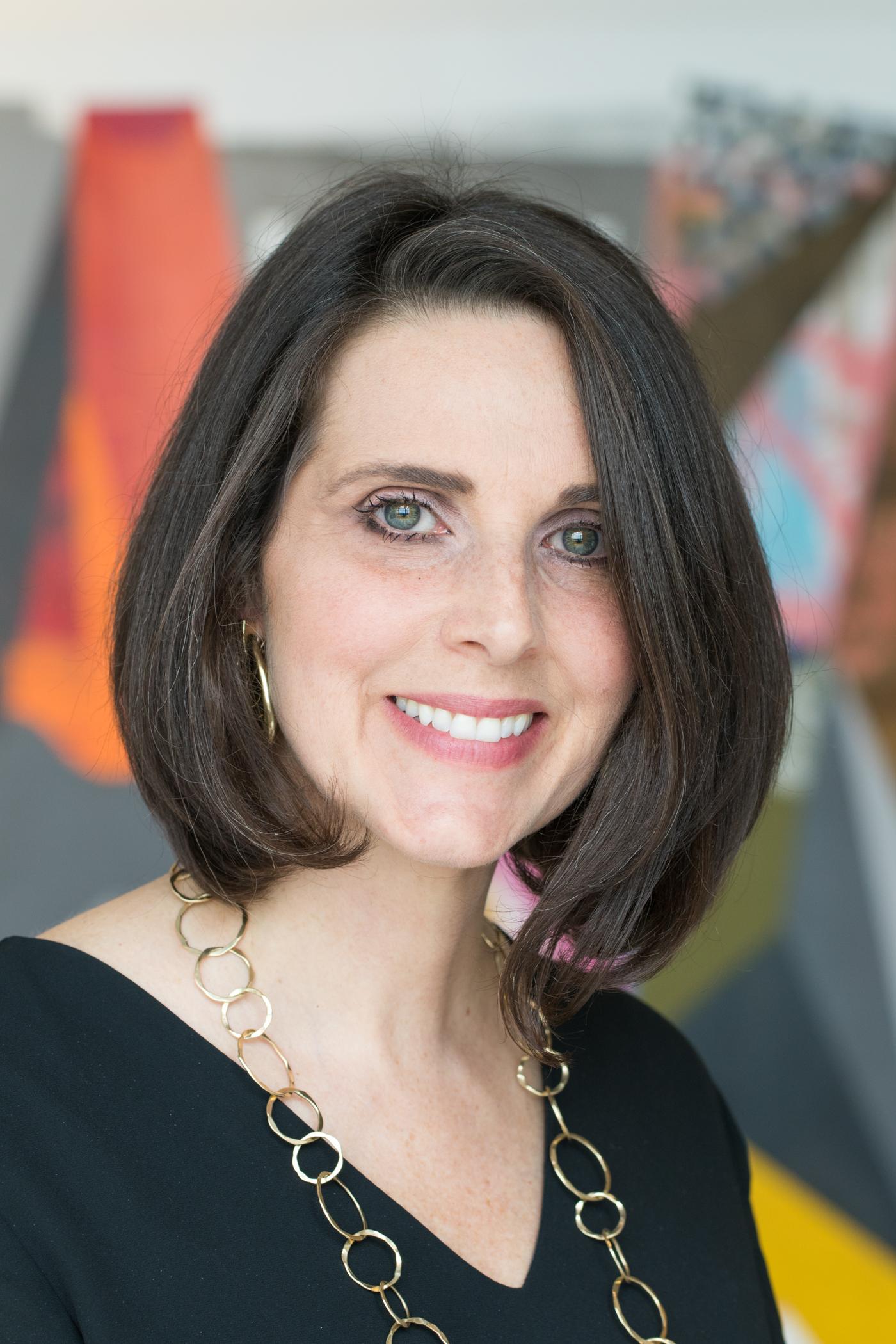 Kelly Filocco | Senior Art Consultant
