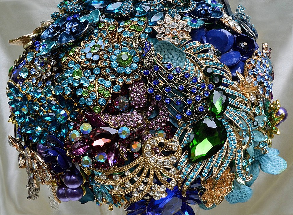 peacock broach bridal bouquet