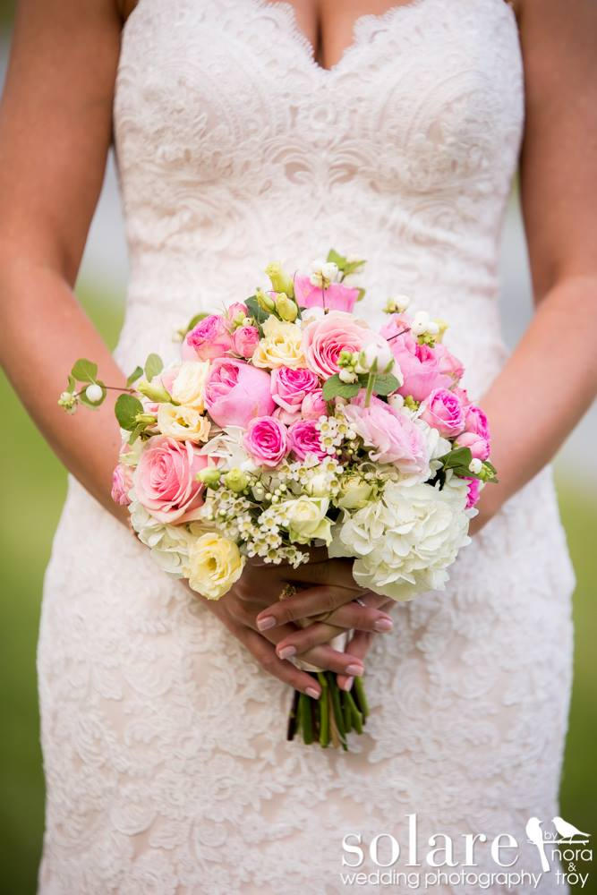 pink and white bouquet vt wedding