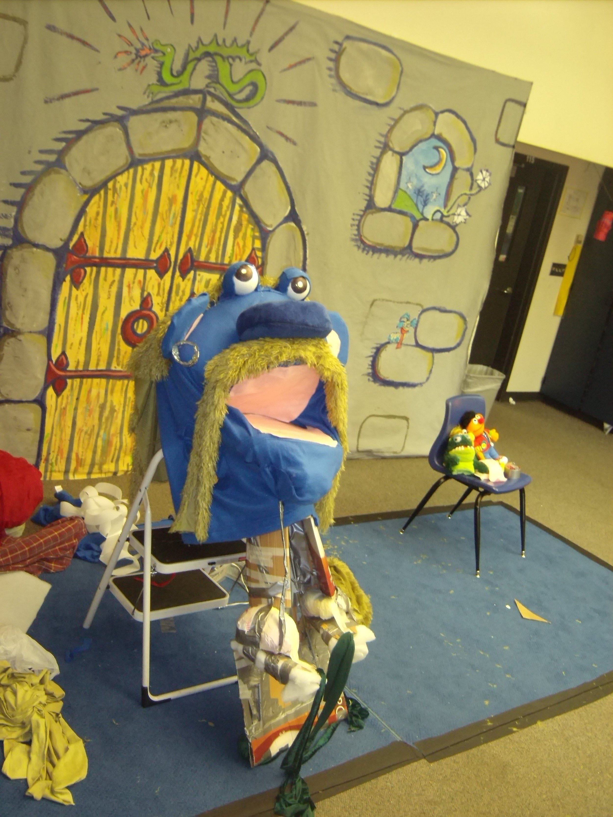 Christian Anne Smith Fairytale Theater Giant Puppet and Set (1).JPG