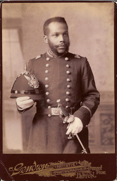 African_Ameirican_in_Uniform_cabinet_card,_c1890s.jpg