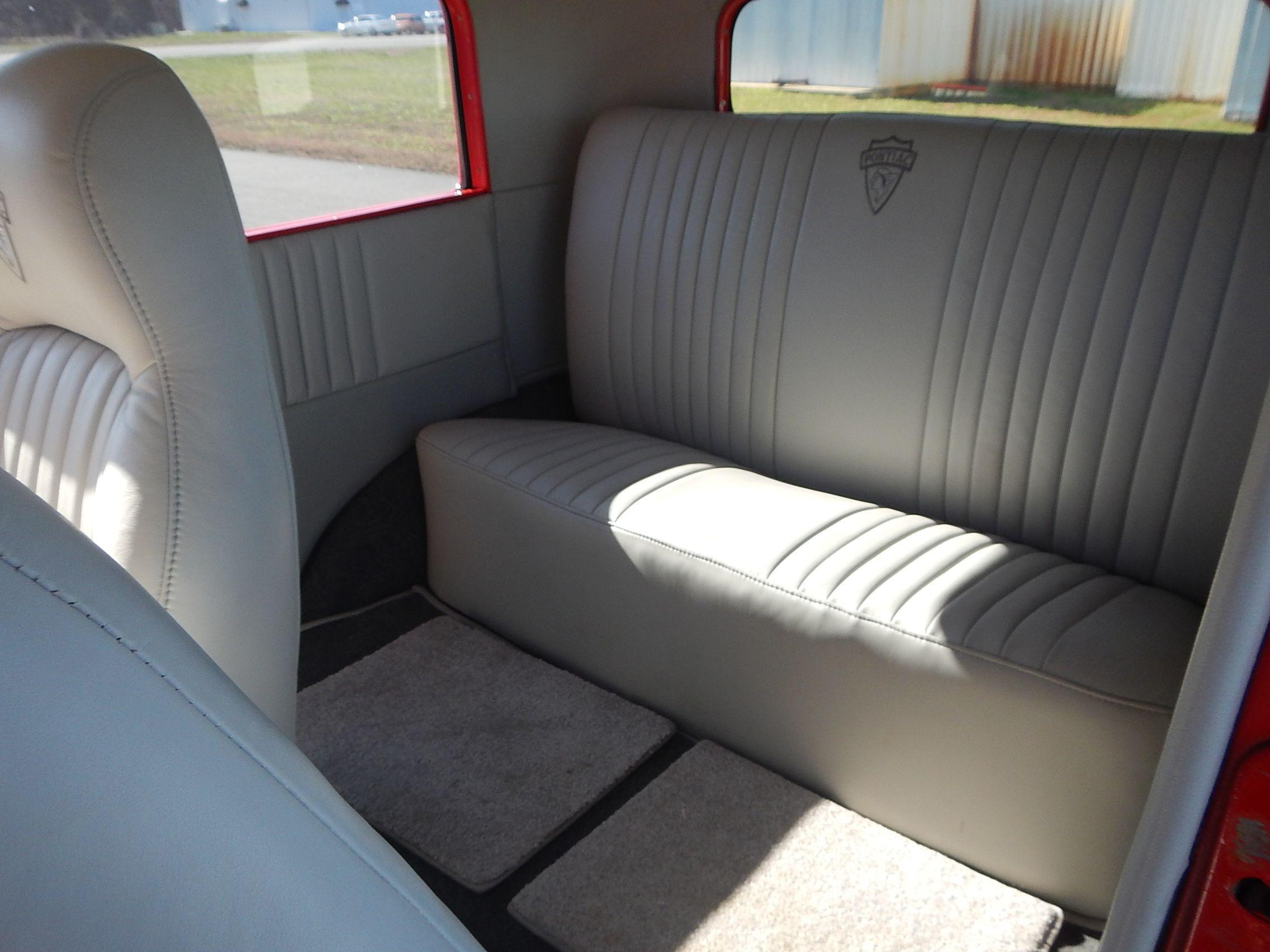 1931 Pontiac Sedan 64.jpg