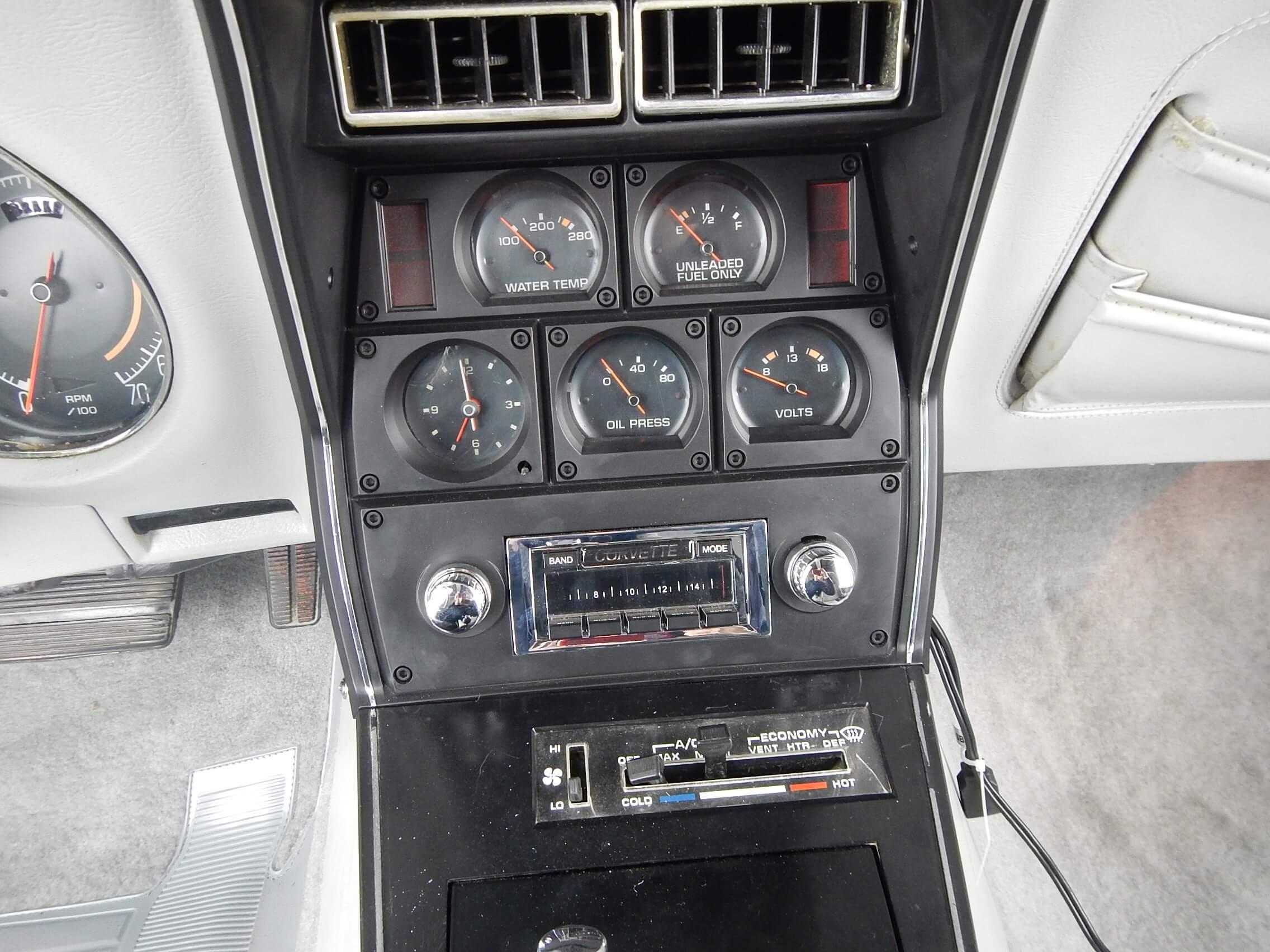 1977 Corvette Coupe restoration 30.JPG