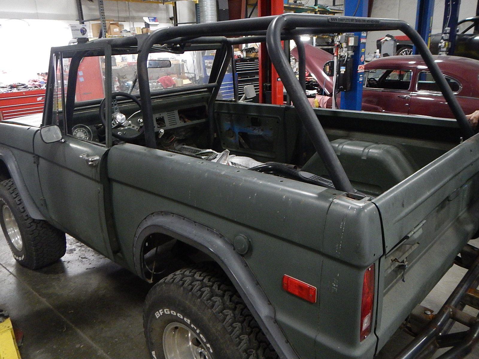 1972 Bronco restoration dis assembly 002.jpg