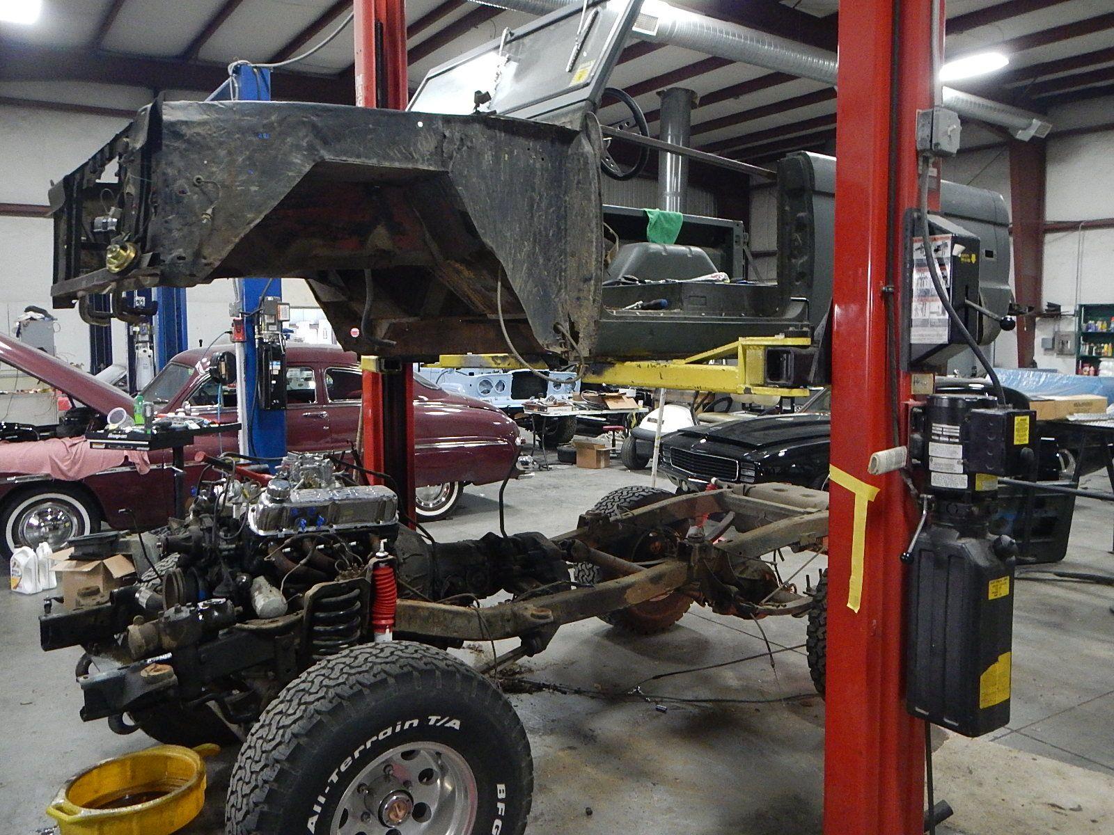 1972 Bronco restoration dis assembly 039.jpg