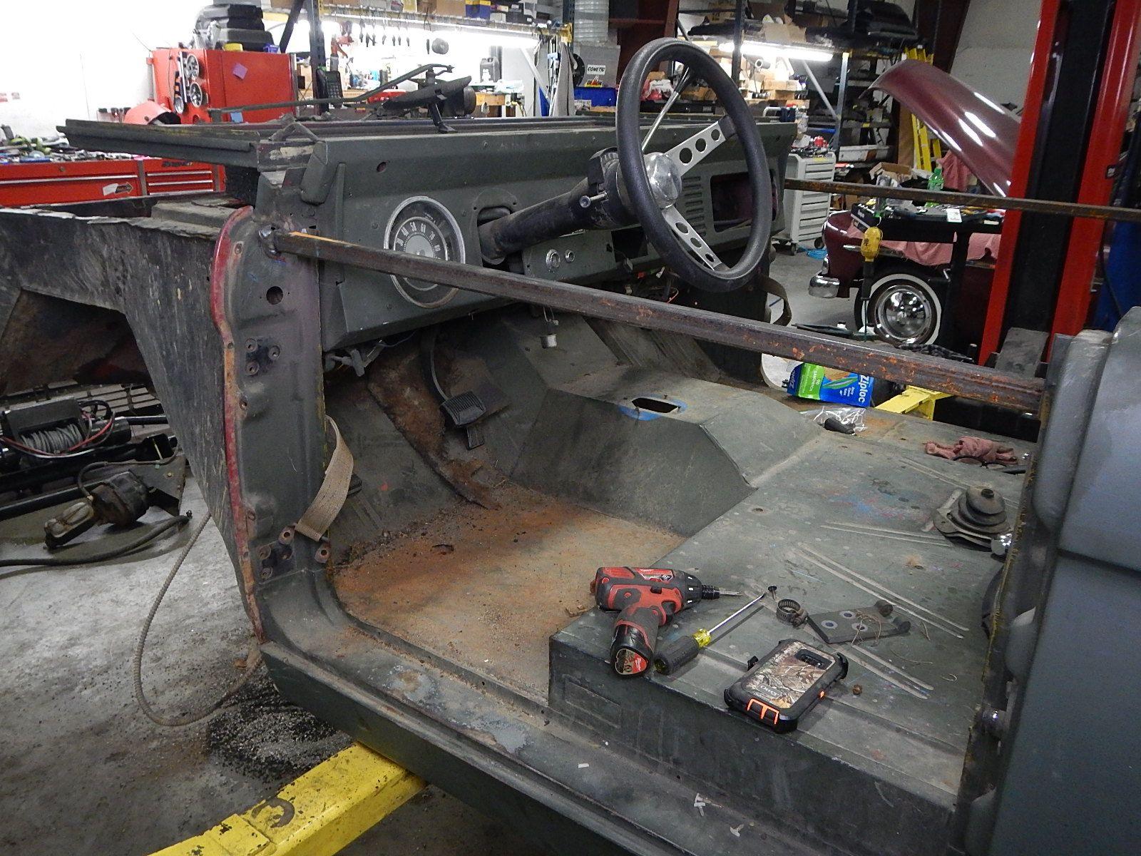 1972 Bronco restoration dis assembly 049.jpg