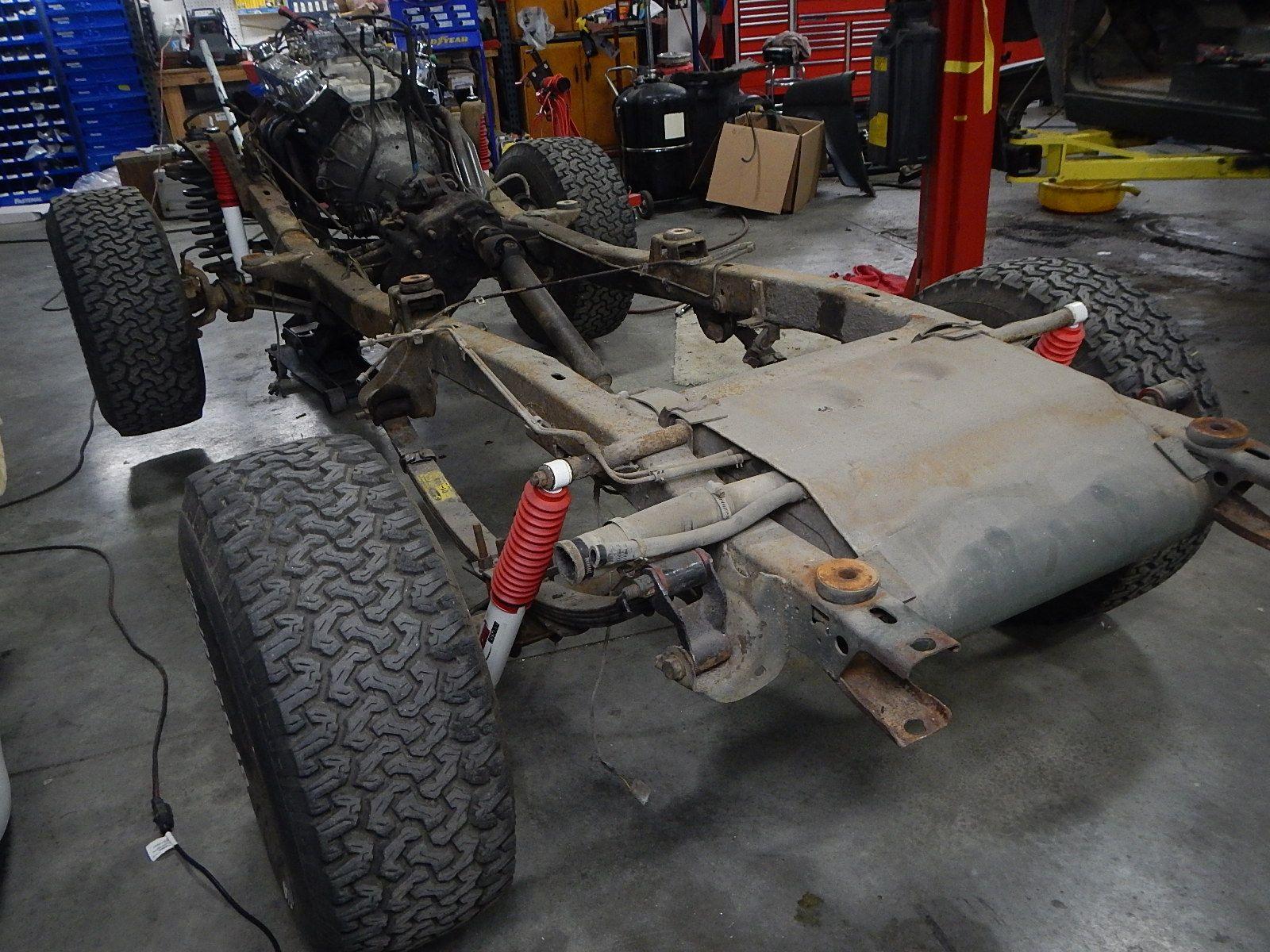 1972 Bronco restoration dis assembly 050.jpg