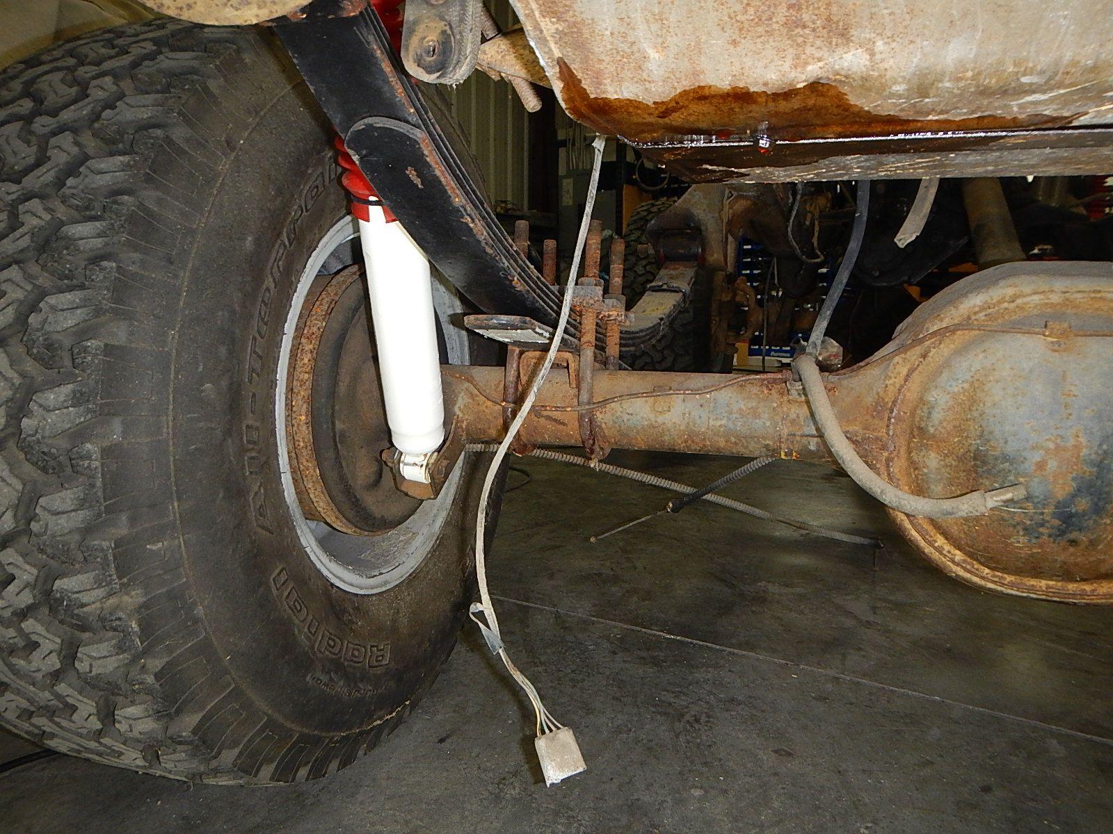 1972 Bronco restoration dis assembly 053.jpg